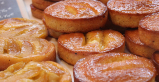 Gâteau poires-chocolat-noix de pécan façon Tatin